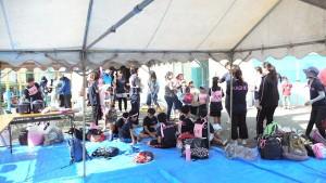 朝7:30からテント設営し、開会式前に参加者もだいぶ集まりました。